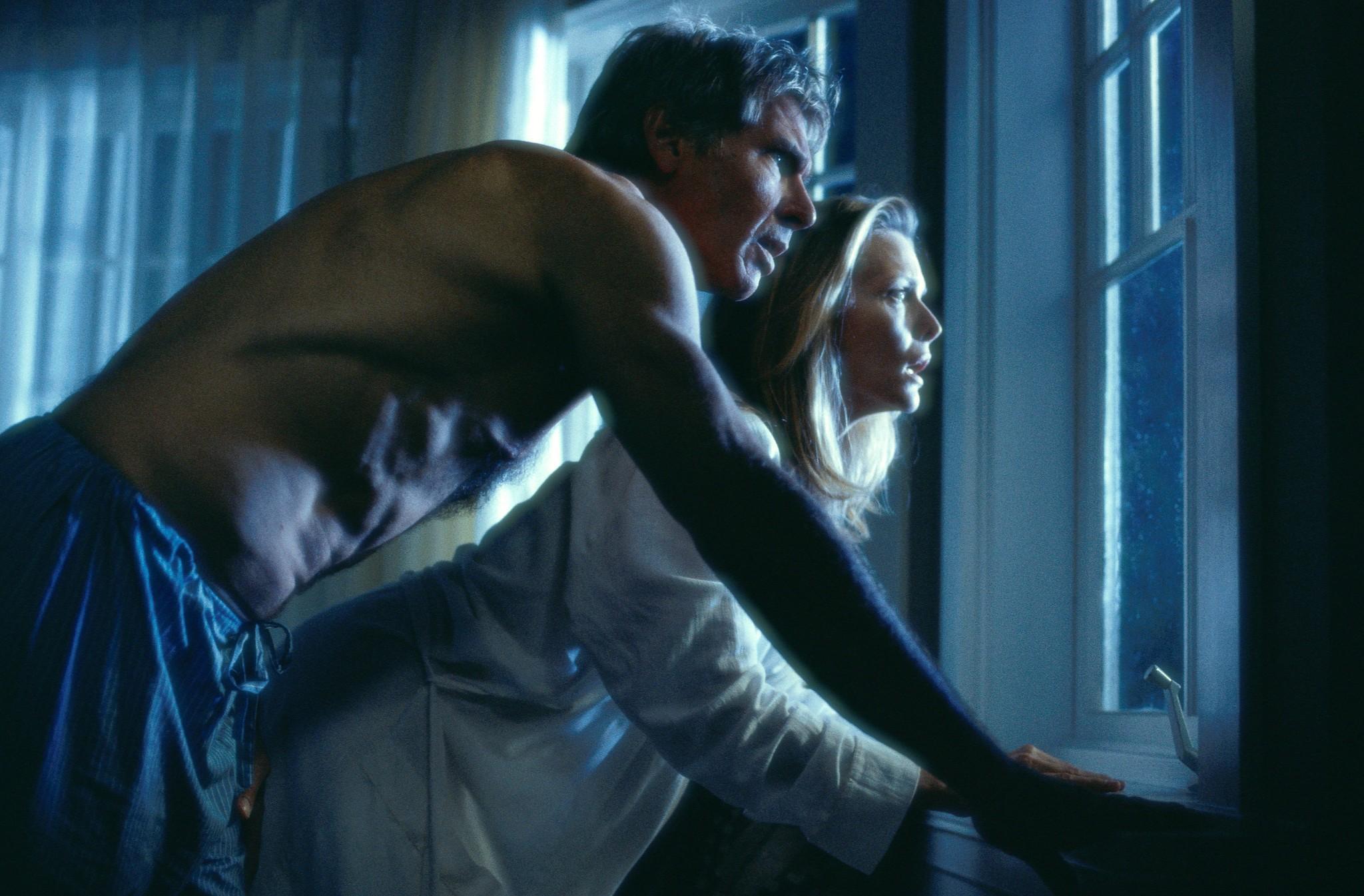 What Lies Beneath 2000 - Thriller - Drama - Horror