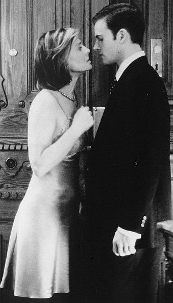Julie Christie and Jonny Lee Miller in Afterglow (1997)