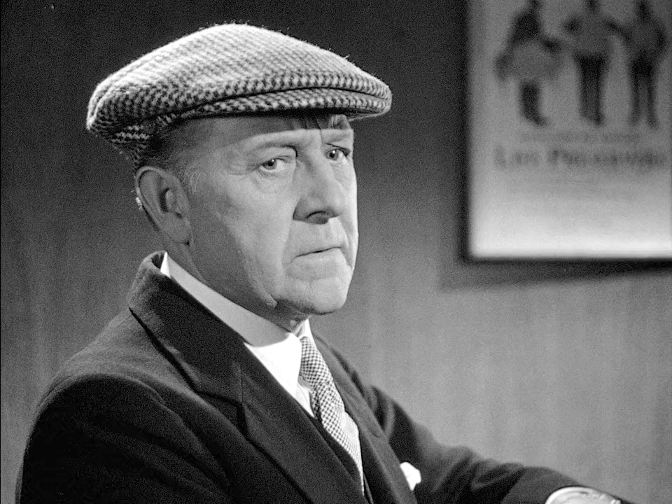 Holmes Herbert in The Pearl of Death (1944)
