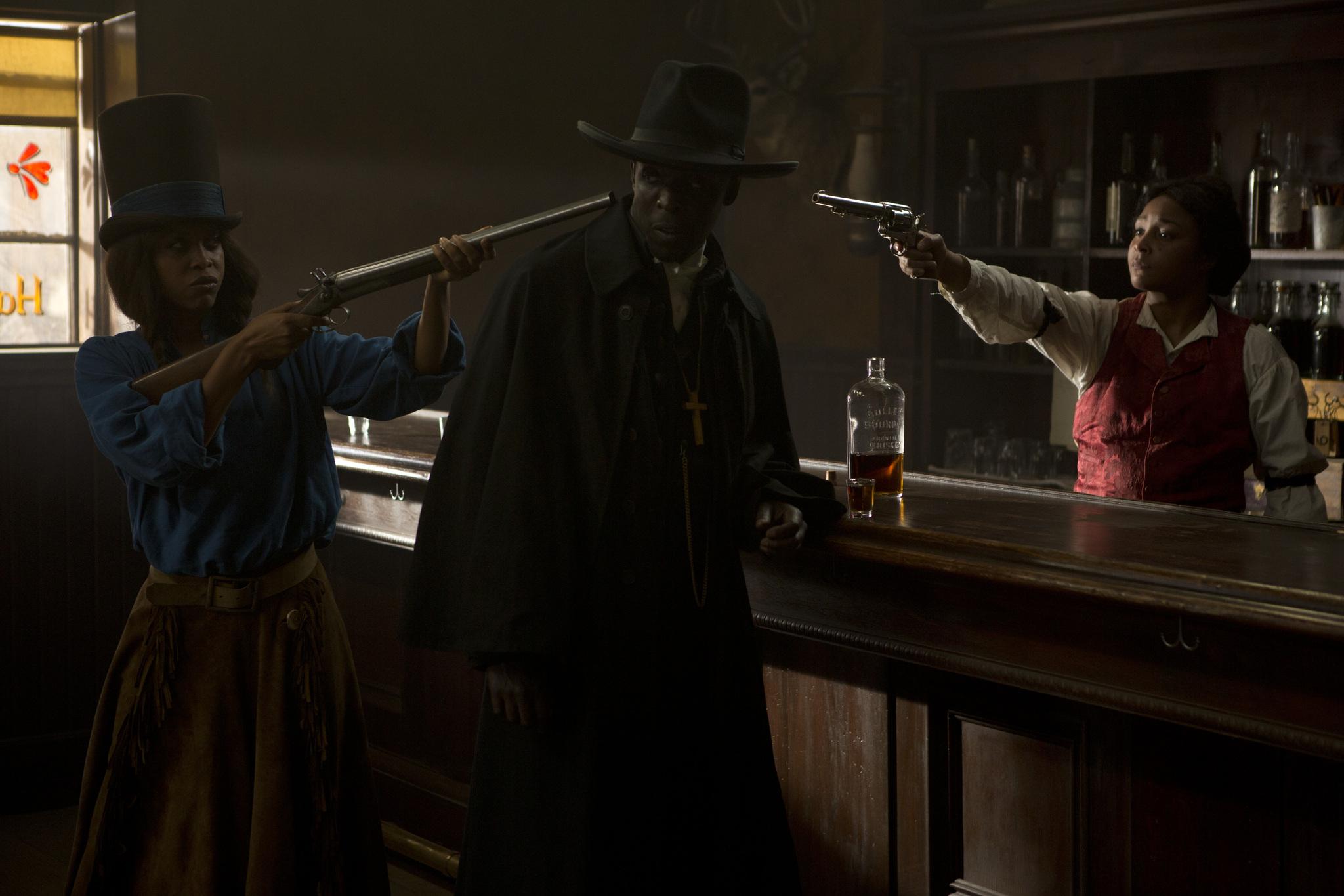 Erykah Badu, Michael Kenneth Williams, and Felicia Pearson in They Die by Dawn (2013)