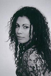 Daniela Lavender Picture