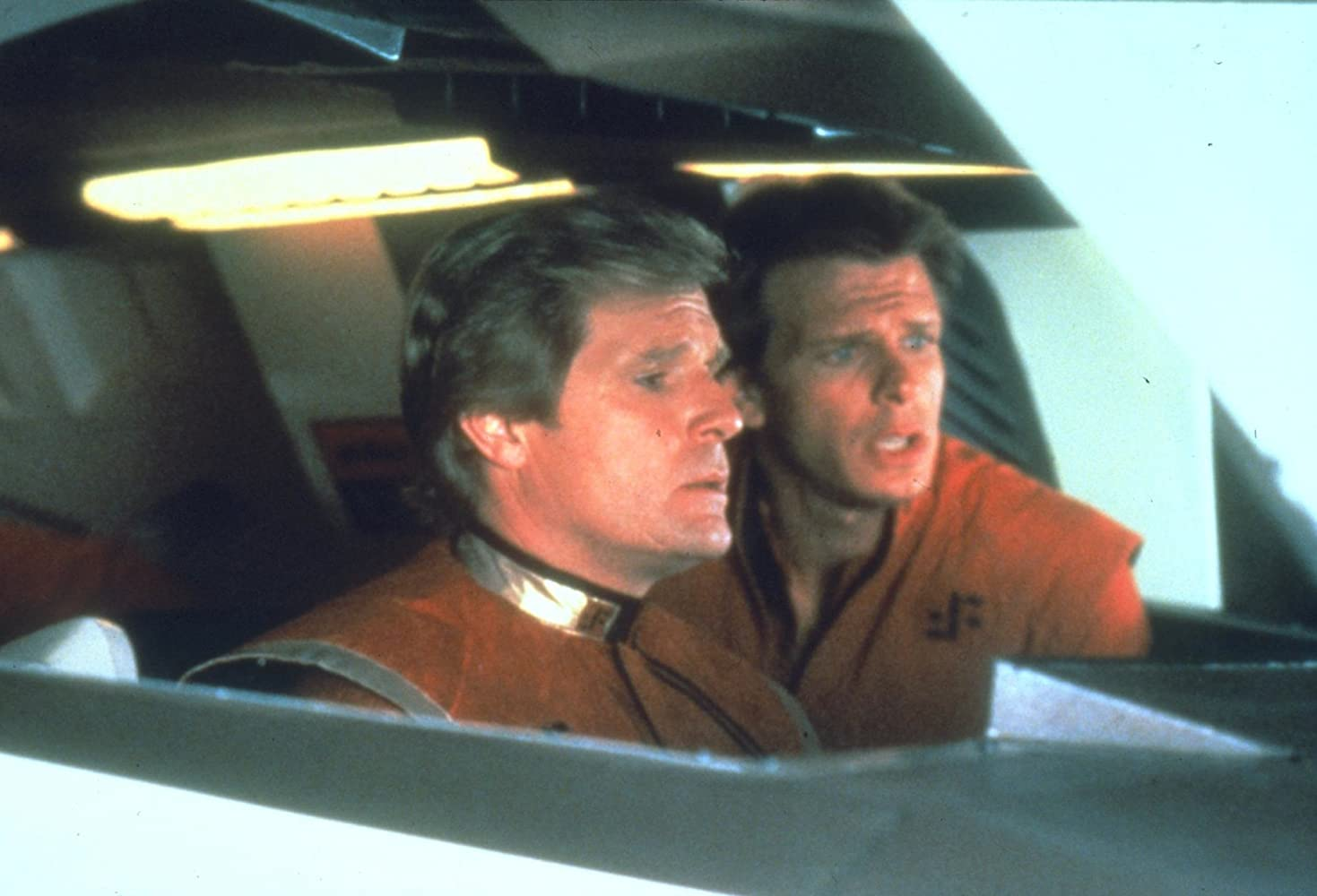 Marc Singer and Frank Ashmore in V: The Final Battle (1984)