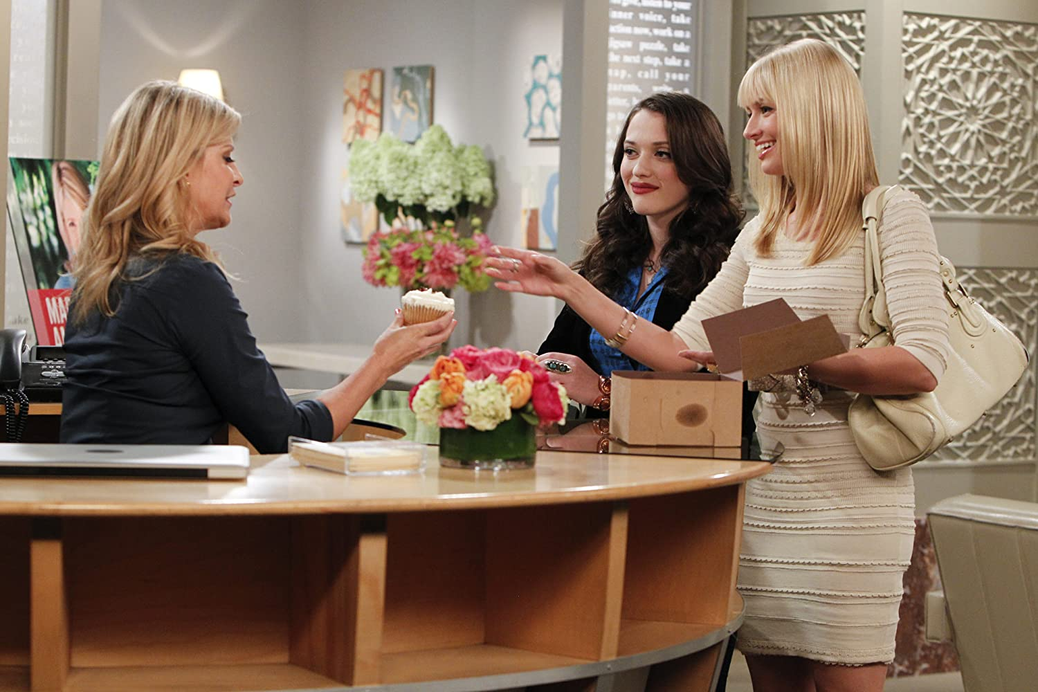 Allison Dunbar, Kat Dennings, and Beth Behrs in 2 Broke Girls (2011)