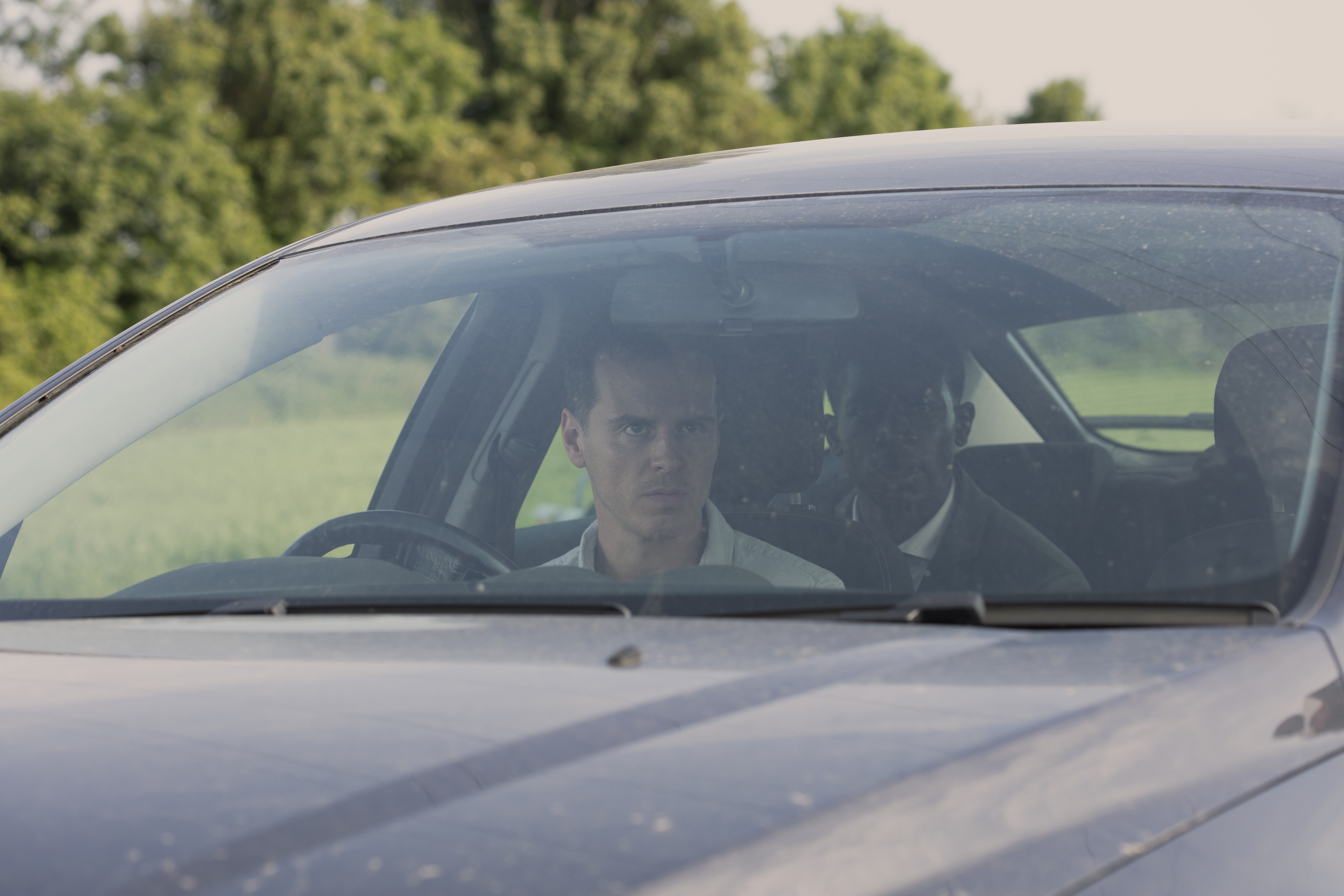 Andrew Scott and Damson Idris in Black Mirror (2011)