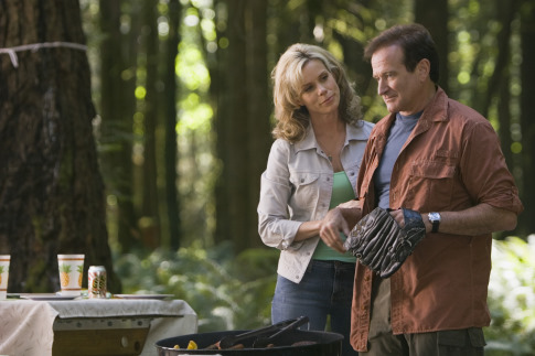 Robin Williams and Cheryl Hines in RV (2006)