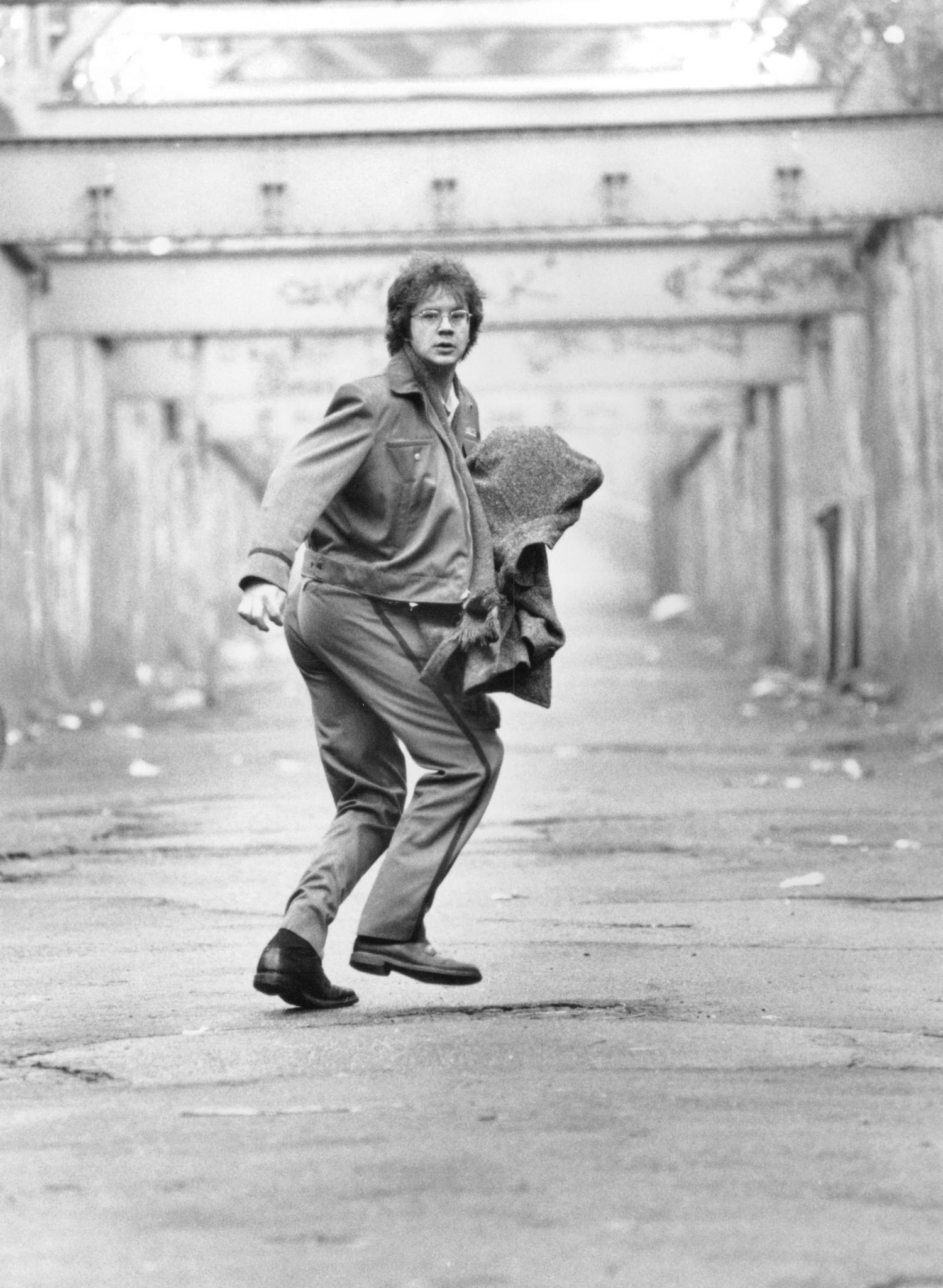 Tim Robbins in Jacob's Ladder (1990)