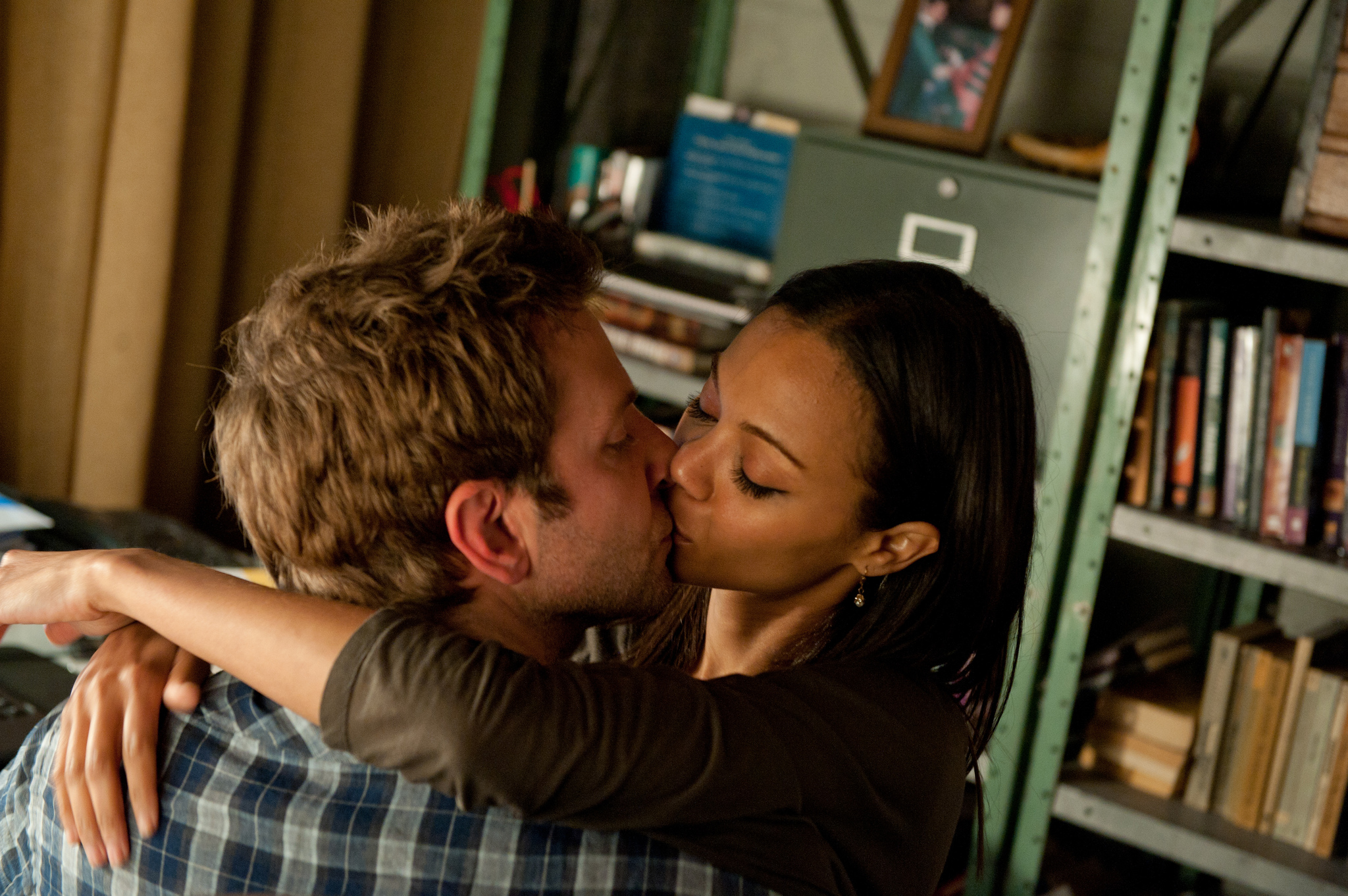 Bradley Cooper and Zoe Saldana in The Words (2012)