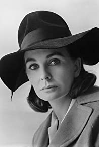Primary photo for Jean Simmons