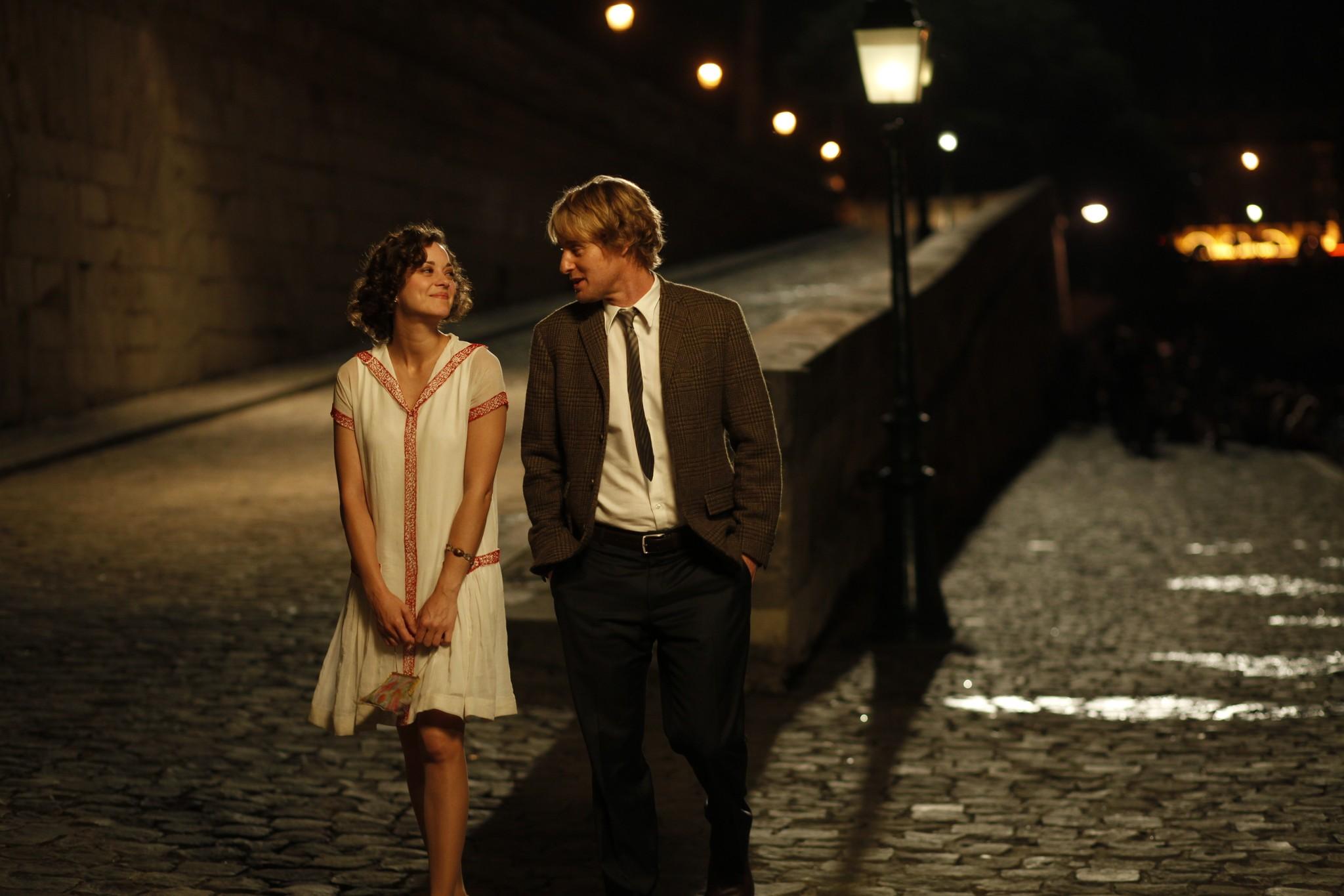 Owen Wilson and Marion Cotillard in Midnight in Paris (2011)