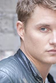Primary photo for Toby Hemingway