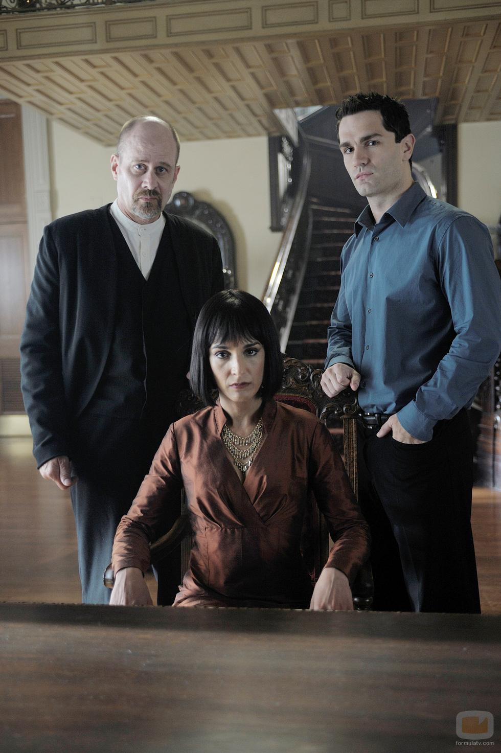 Terry Kinney, Deena Aziz, Sam Witwer on Being Human (US)