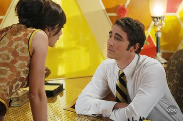 Anna Friel and Lee Pace in Pushing Daisies (2007)
