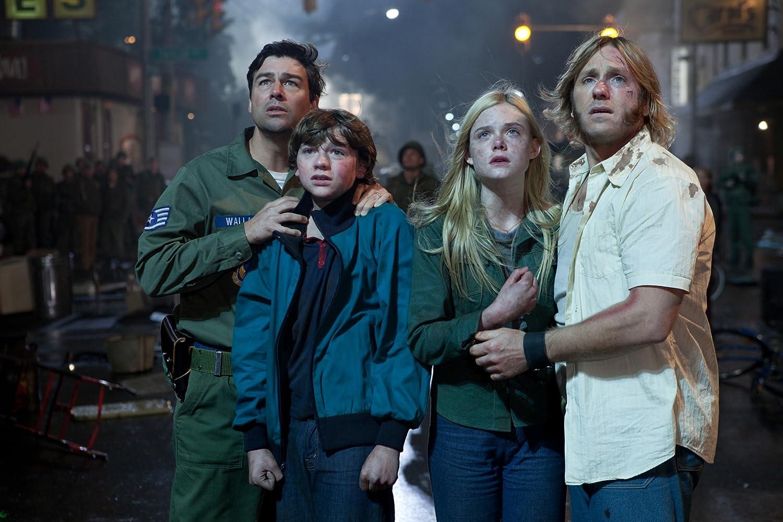 Kyle Chandler, Ron Eldard, Elle Fanning, and Joel Courtney in Super 8 (2011)