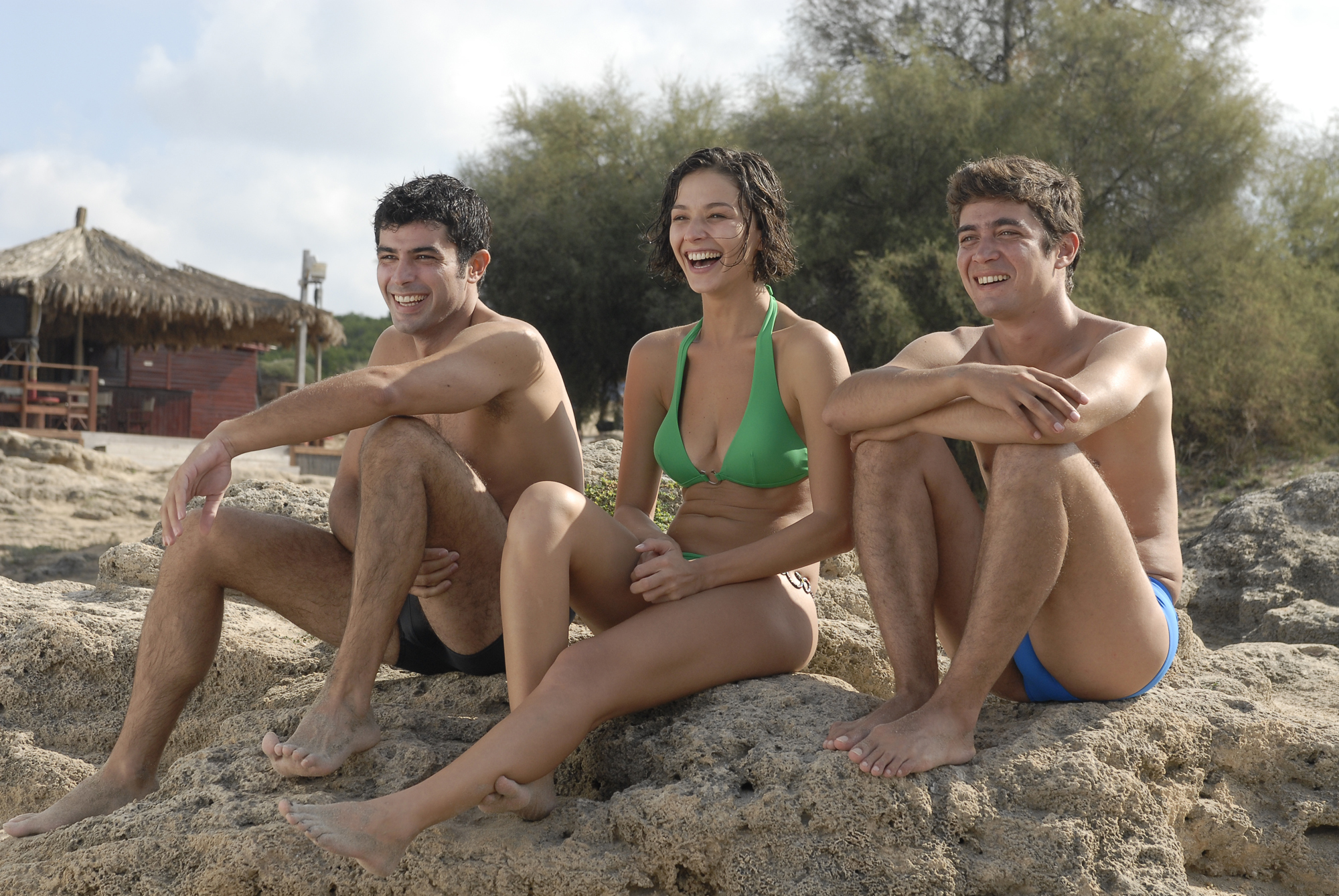 Nicole Grimaudo, Carmine Recano, and Riccardo Scamarcio in Mine vaganti (2010)