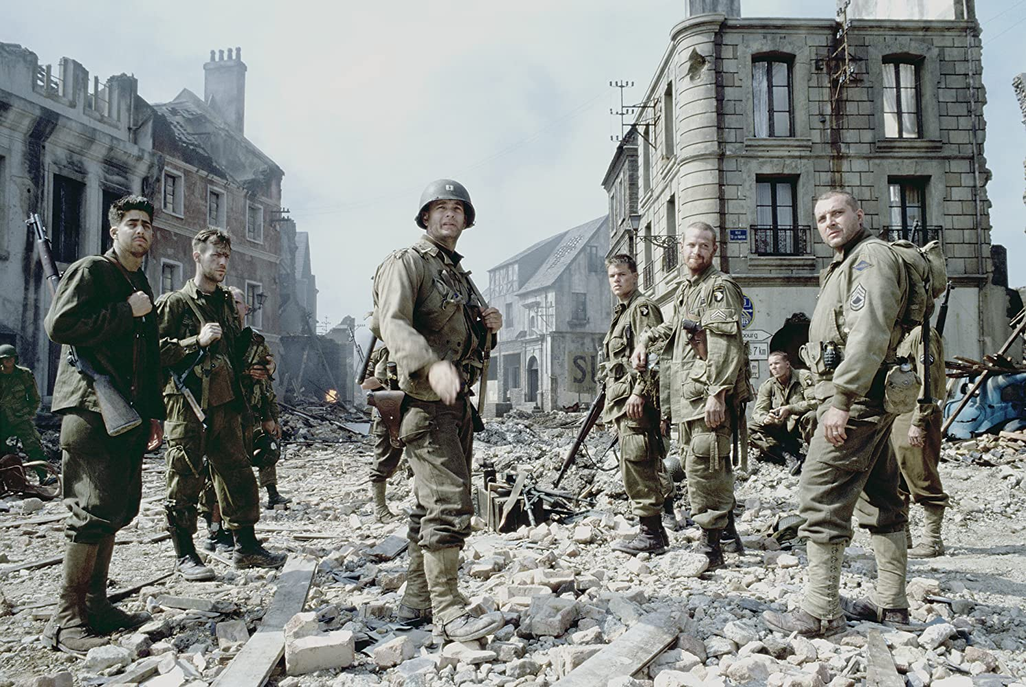 Tom Hanks, Matt Damon, Tom Sizemore, Adam Goldberg, Max Martini, and Demetri Goritsas in Saving Private Ryan (1998)