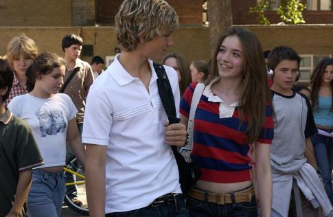 Sarah Bolger and Alex Pettyfer in Stormbreaker (2006)