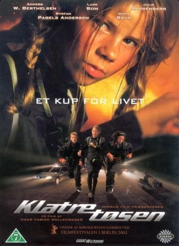 Stefan Pagels Andersen, Mads Elias Højberg Ravn, and Julie Zangenberg in Klatretøsen (2002)