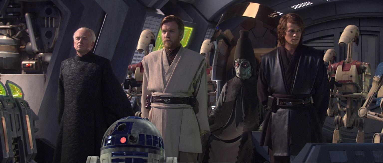Ewan McGregor, Ian McDiarmid, Kenny Baker, Hayden Christensen, and Colin Ware in Star Wars: Episode III - Revenge of the Sith (2005)