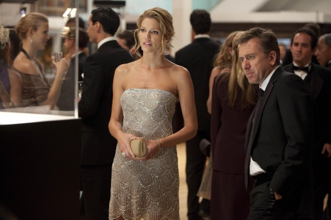 Tim Roth and Tricia Helfer in Lie to Me (2009)