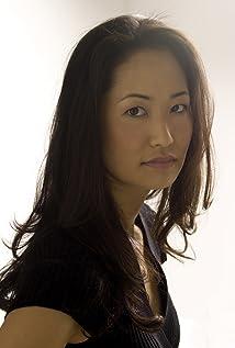 Adrienne Zi Picture
