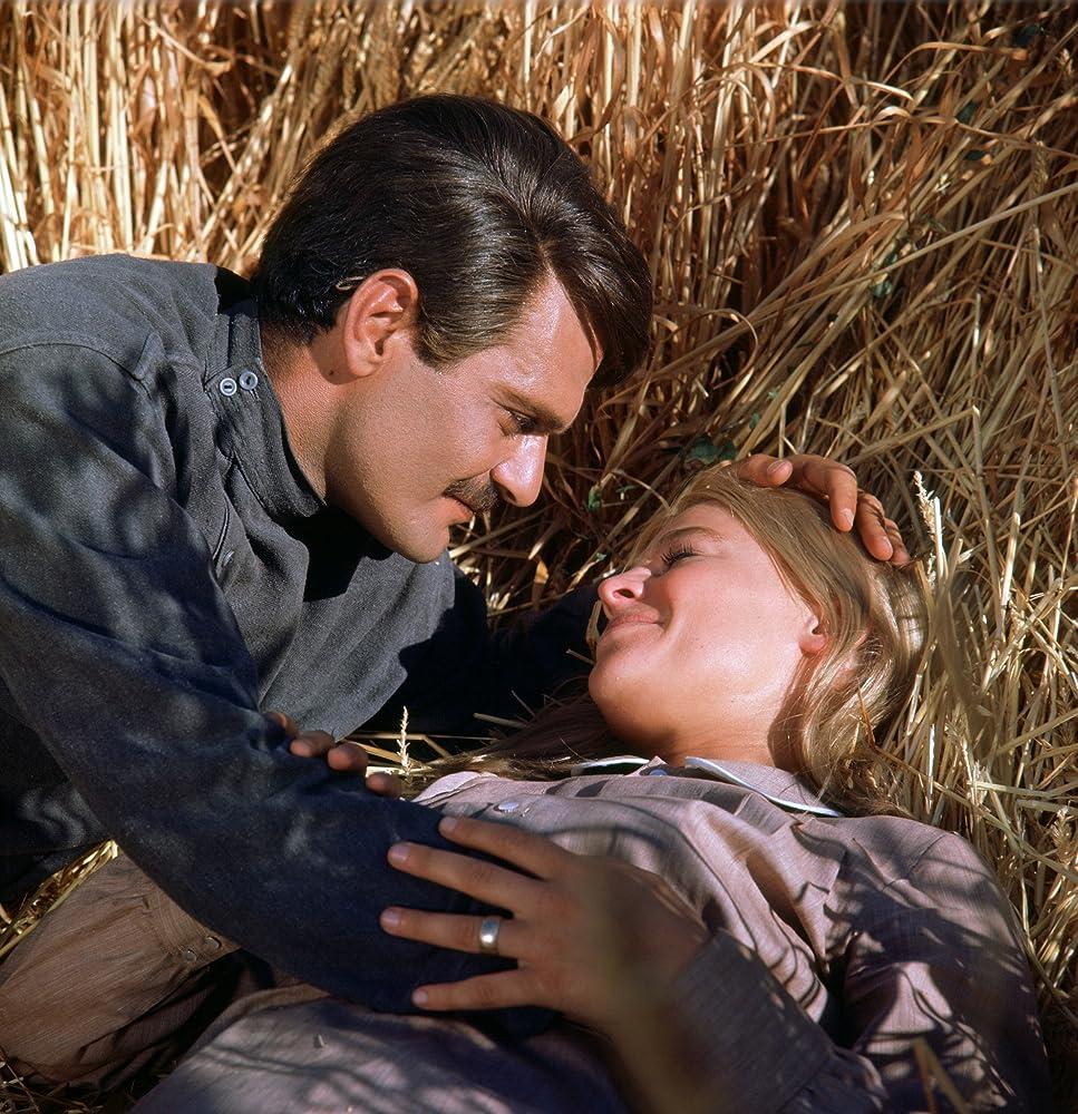 Julie Christie and Omar Sharif in Doctor Zhivago 1965