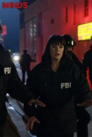 Paget Brewster and Matthew Gray Gubler in Criminal Minds (2005)