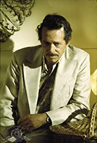 Primary photo for Warren Oates