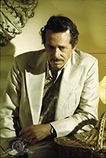 Warren Oates Picture