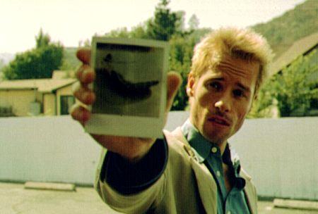 Guy Pearce stars as Leonard