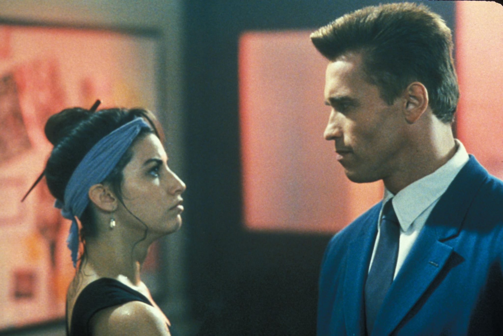 Gina Gershon and Arnold Schwarzenegger in Red Heat (1988)
