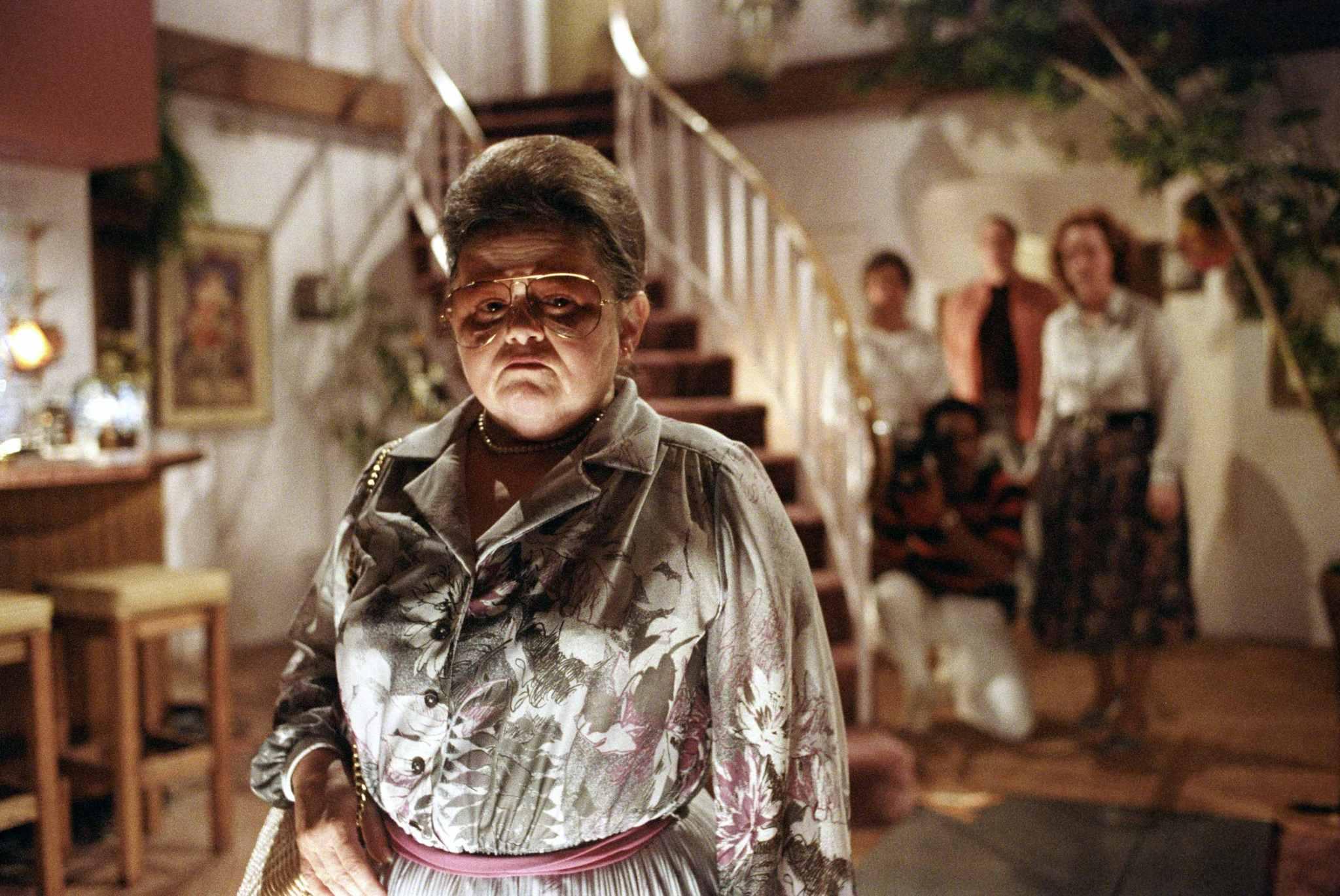 JoBeth Williams, Richard Lawson, Oliver Robins, Zelda Rubinstein, and Beatrice Straight in Poltergeist (1982)