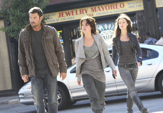 Brian Austin Green, Lena Headey, and Summer Glau in Terminator: The Sarah Connor Chronicles (2008)