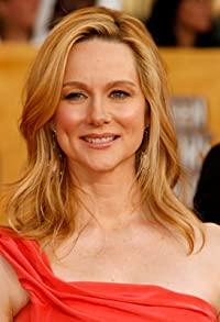 Primary photo for Laura Linney