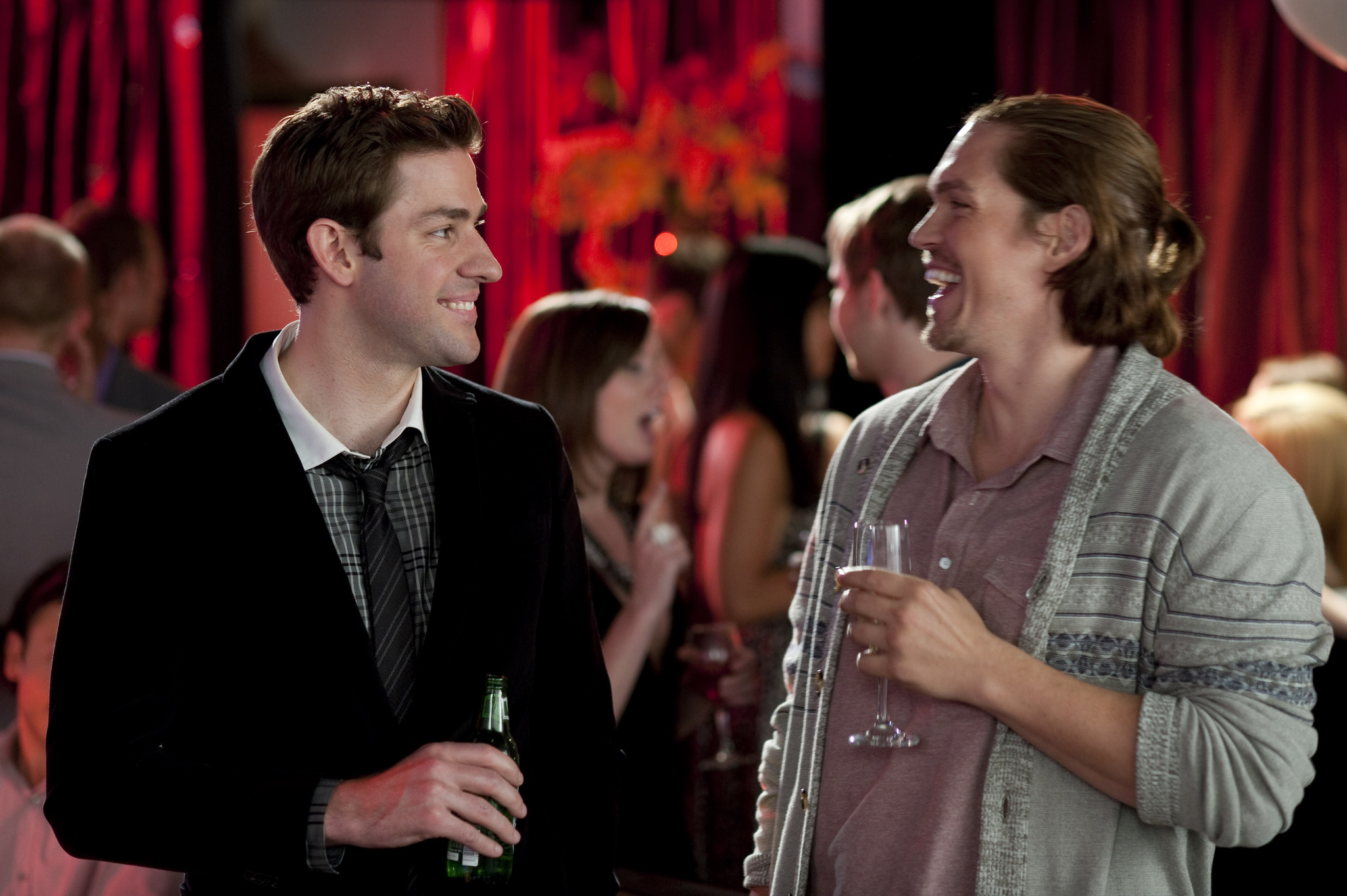 Steve Howey and John Krasinski in Something Borrowed (2011)