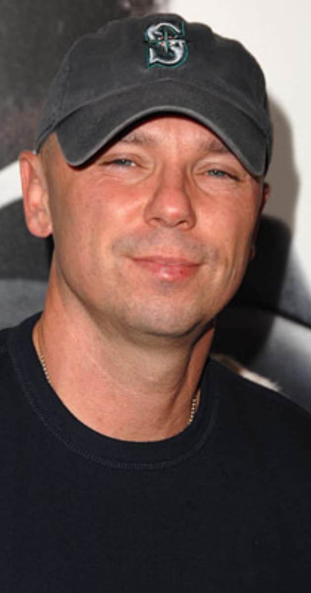 Kenny Chesney - IMDb 25c3a9513de