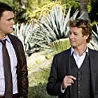 Simon Baker and Owain Yeoman in The Mentalist (2008)