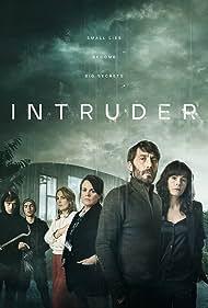 Elaine Cassidy and Tom Meeten in Intruder (2021)