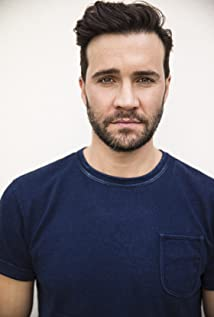 Gil McKinney Picture