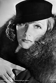 Primary photo for Greta Garbo