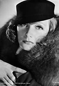 Primary photo for Greta Garbo