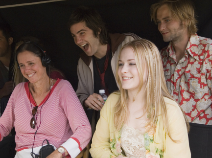 Jim Sturgess, Julie Taymor, Evan Rachel Wood, and Joe Anderson in Across the Universe (2007)