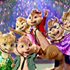 Christina Applegate, Anna Faris, Justin Long, Jesse McCartney, Amy Poehler, and Matthew Gray Gubler in Alvin and the Chipmunks: Chipwrecked (2011)