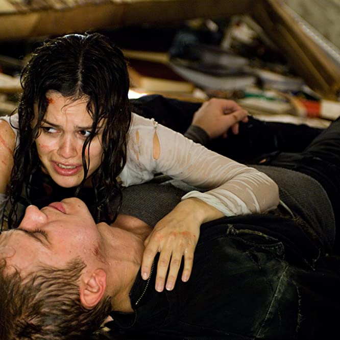 Hayden Christensen and Rachel Bilson in Jumper (2008)