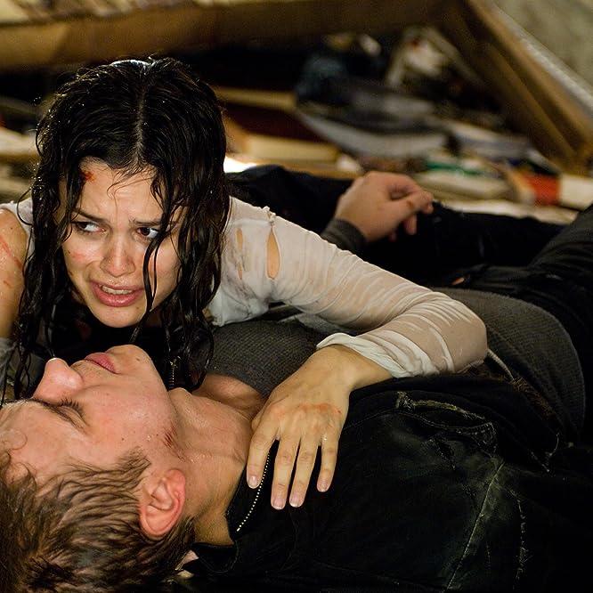 Hayden Christensen and Rachel Bilson in Jumper (2008)