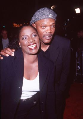 45c0c40204d3 Samuel L. Jackson and LaTanya Richardson Jackson at an event for U.S.  Marshals (1998