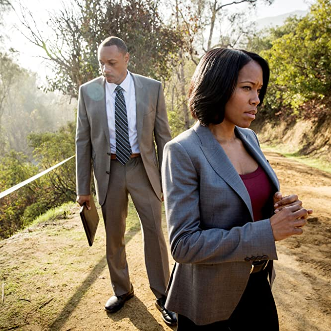 Regina King and Dorian Missick in Southland (2009)