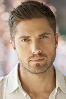 Eric Winter Picture