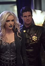 Danielle Panabaker and Robbie Amell in The Flash (2014)