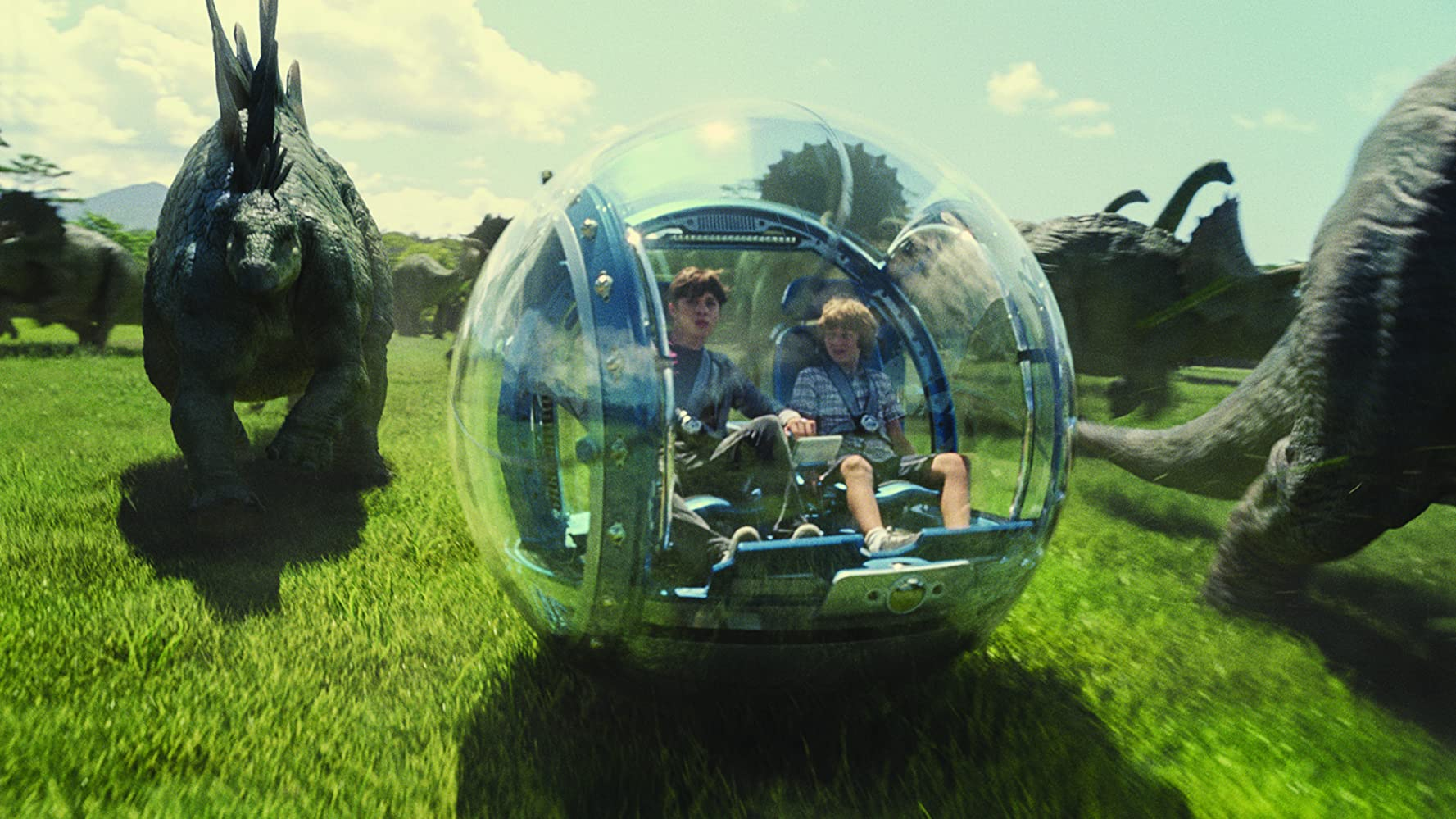 Ty Simpkins and Nick Robinson in Jurassic World (2015)