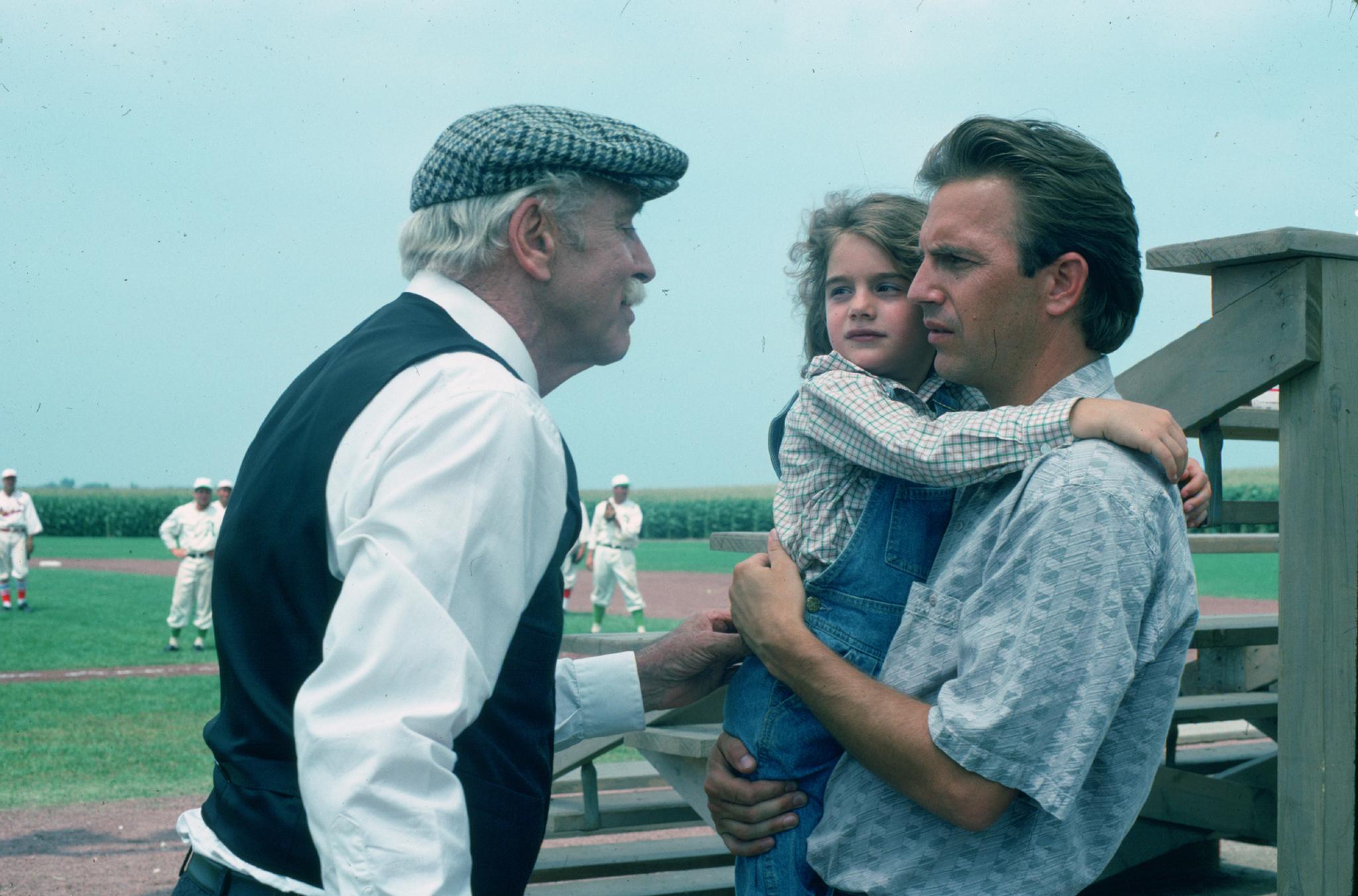 Burt Lancaster, Kevin Costner, and Gaby Hoffmann in Field of Dreams (1989)